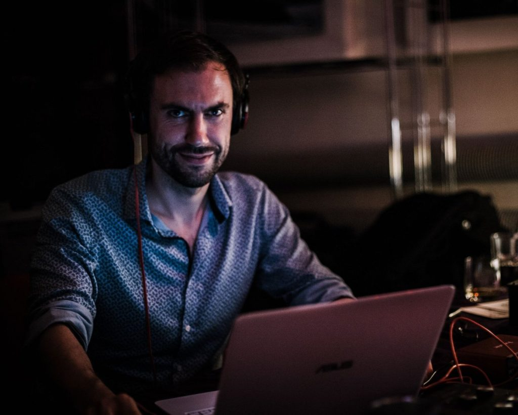 DJ Helmut Höllriegl Jose boceta Tango Wien Galeria ideal vienna music talk lecture seminar